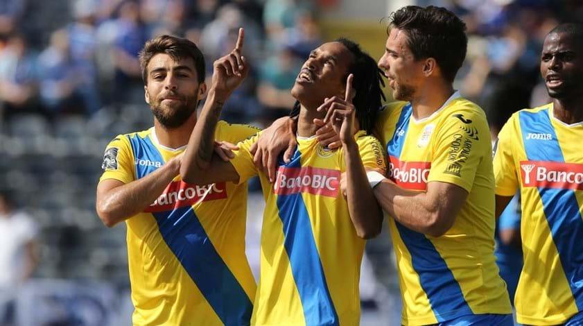 A crónica do Arouca-Feirense, 2-0: Mataram a sede com champanhe