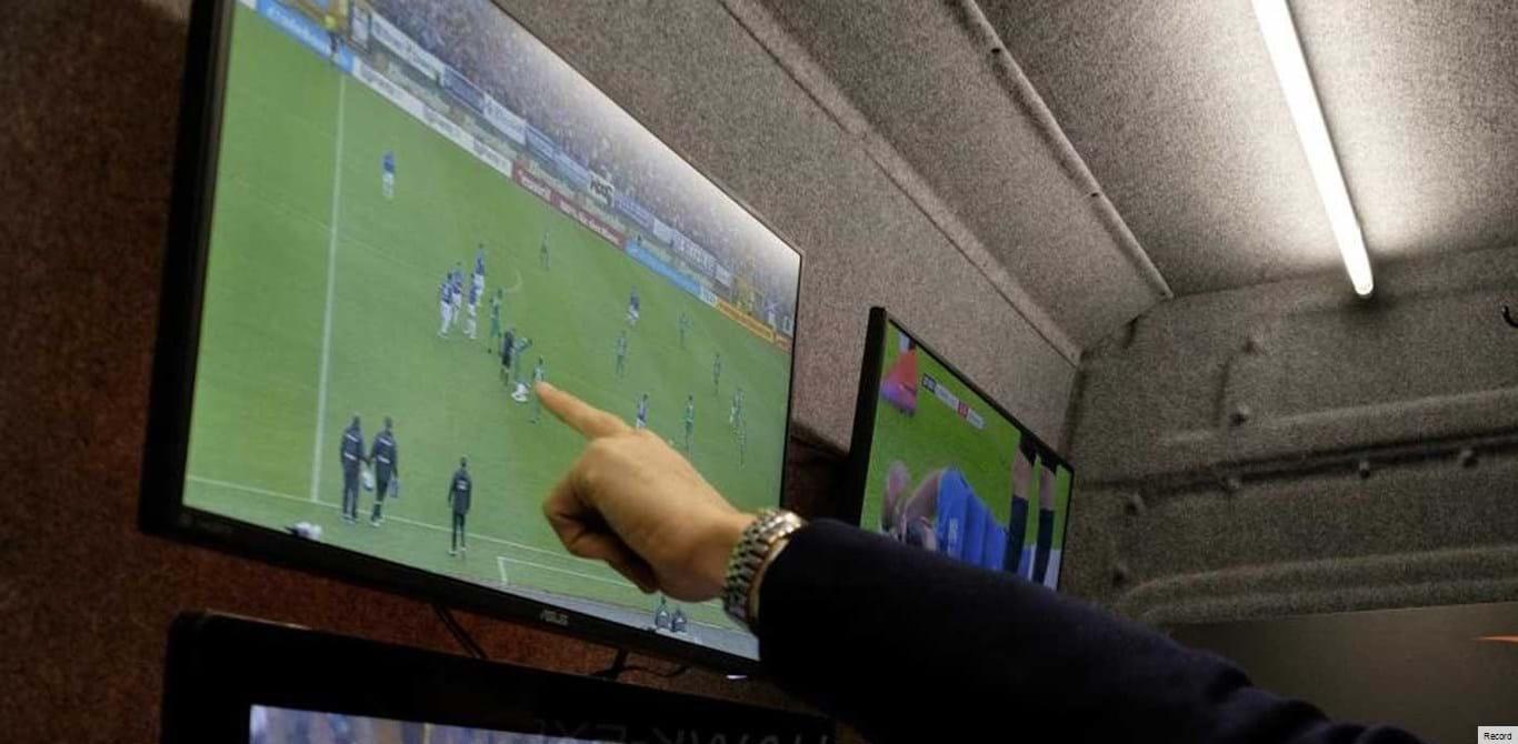 FIFA elege Hawk-Eye como fornecedora de tecnologia de apoio ao vídeo-árbitro