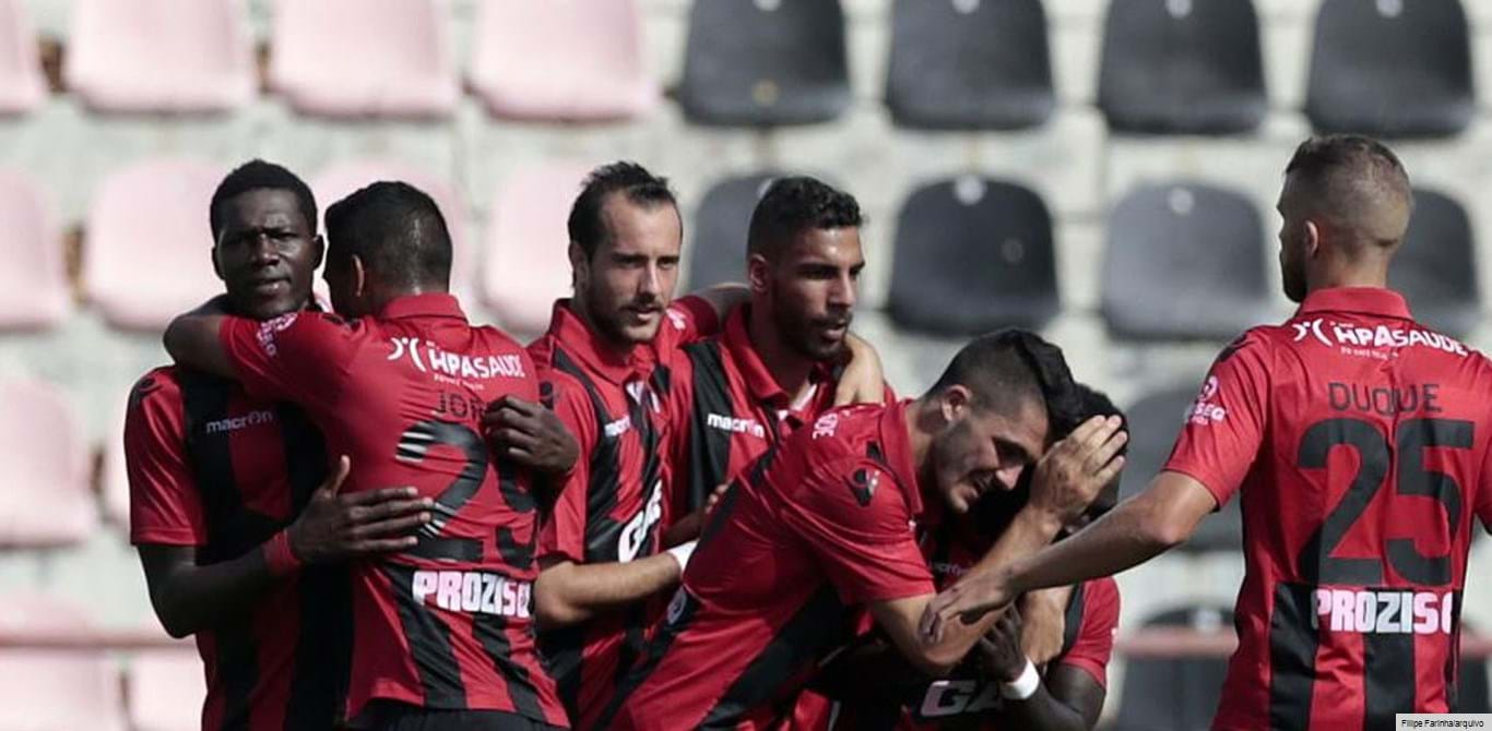 Olhanense-Penafiel, 3-1: Algarvios fecham época amarga com vitória