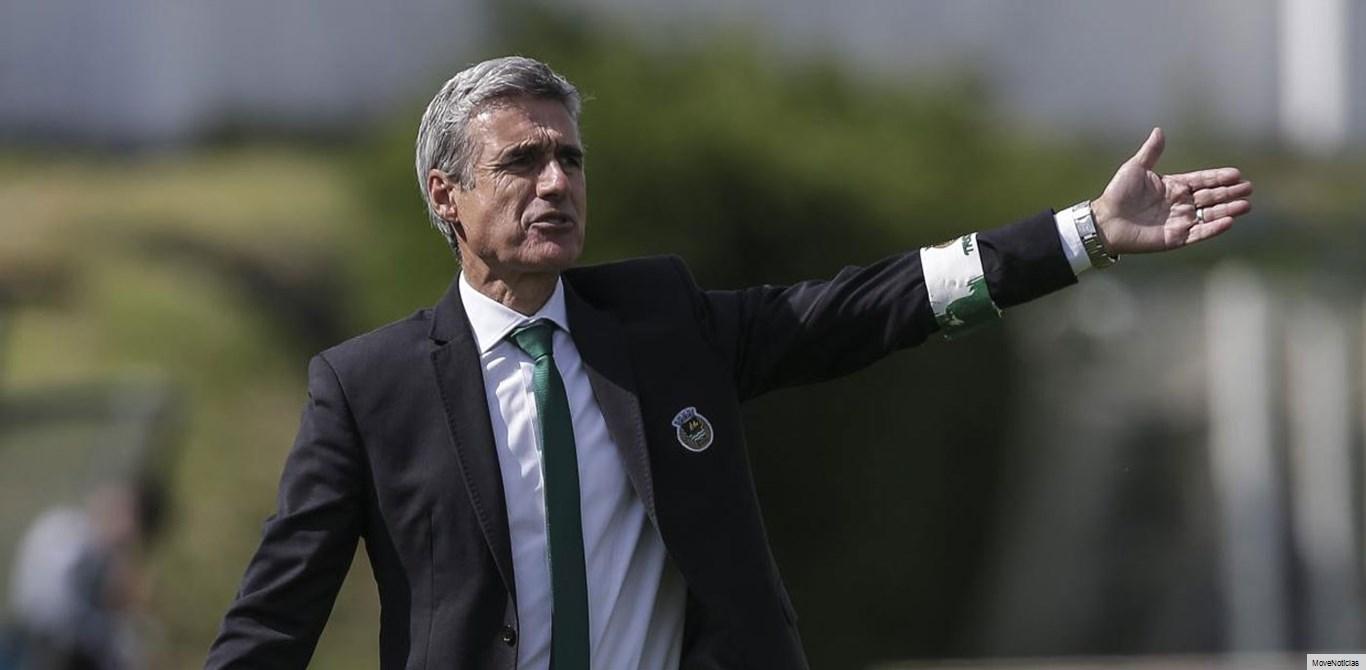 Luís Castro pondera oferta
