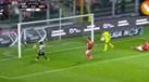 Defesa do Benfica facilitou e Renato Santos abriu o marcador