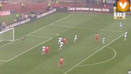 O cabeceamento certeiro de Salvio para o segundo do Benfica