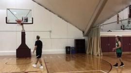 Griezmann mostra ter talento... no basquetebol