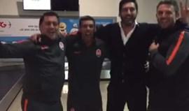 Paulo Fonseca celebrou aos saltos... a subida do Aves