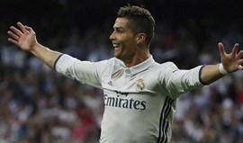 Ronaldo já só está a um golo de Messi