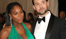 Serena Williams exibe gravidez na gala MET