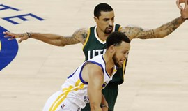 Warriors entram a vencer nas meias-finais da Conferência Oeste