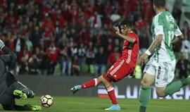 A crónica do Rio Ave-Benfica, 0-1: O tetra por um fio