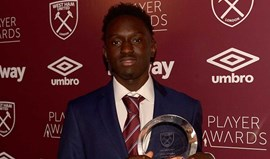 Domingos Quina vence prémio na gala do West Ham