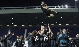 Festa do título do Chelsea teve de tudo