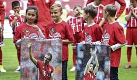 Bayern goleia no adeus de Lahm e Xabi Alonso