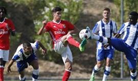 Benfica vence FC Porto com bis de Banjaqui