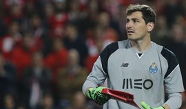 Liverpool tenta desviar Casillas