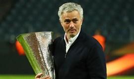 Sadinos dão os parabéns ao sócio José Mourinho