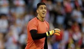 Joel Pereira e o interesse do Benfica: «O meu foco está no Manchester»
