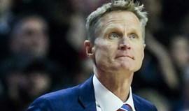 Steve Kerr ainda impossibilitado de voltar ao banco dos Warriors