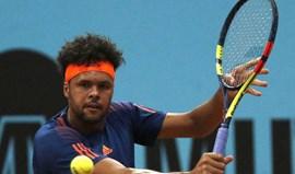 Tsonga vence torneio de Lyon