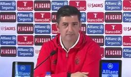 Estrangeiros do Benfica recebem 'aula' sobre o que é a mística do Jamor