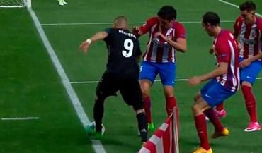 Benzema explicou como sair da 'cabina telefónica'