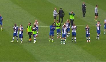 Apesar do jejum garantido, adeptos bateram palmas aos jogadores do FC Porto