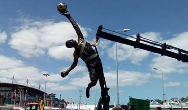 Conheça a estátua de Rui Patrício em Leiria