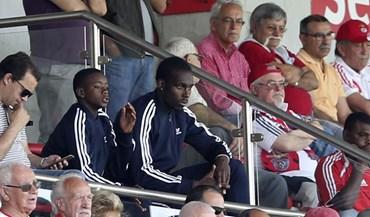 Filho de Madonna assistiu ao Benfica-Sporting em juvenis
