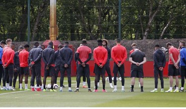 Manchester United cumpriu minuto de silêncio antes do treino