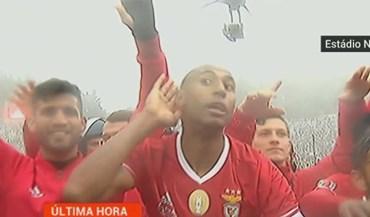 A euforia dos jogadores do Benfica ao som de '1904, 1904'