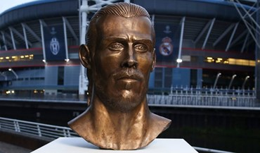 Reconhece estes traços? Sim, o escultor do busto de Ronaldo tem nova obra
