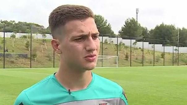 Dalot e o interesse de Real e Barça: «Dá-me mais motivação»