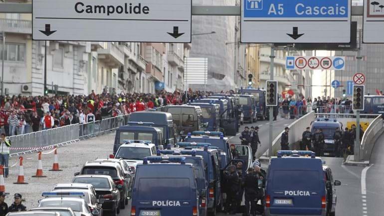 Benfica campeão: Quinze pessoas detidas por posse de material pirotécnico