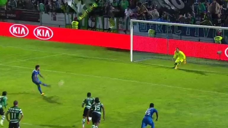 Tiago Silva bisa e coloca Feirense na frente