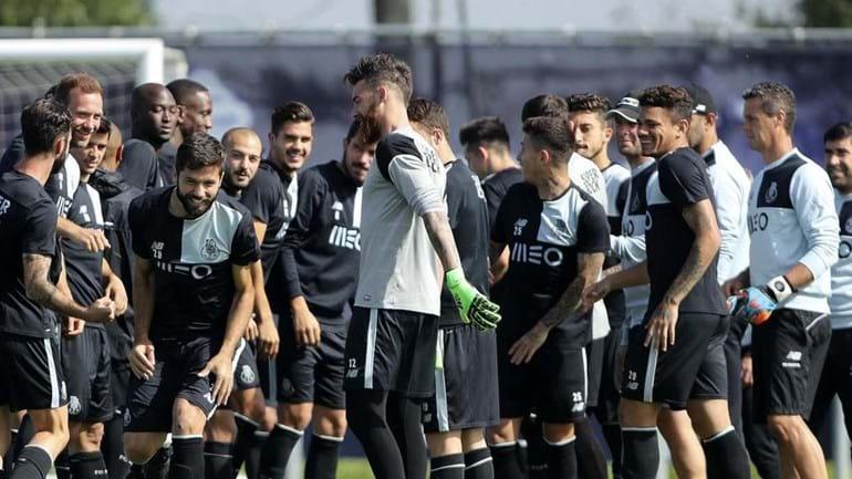 Guarda-redes dos sub-17 volta a integrar treino do FC Porto