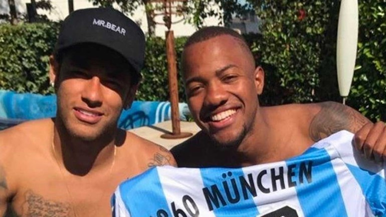 Já viu com quem se encontrou Neymar? Uma pista: é um jogador do Benfica