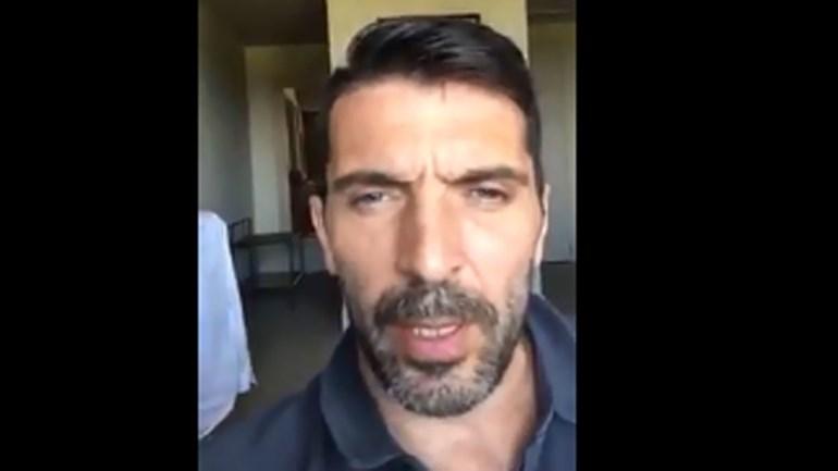 Buffon deixa mensagem a Lahm na hora do adeus