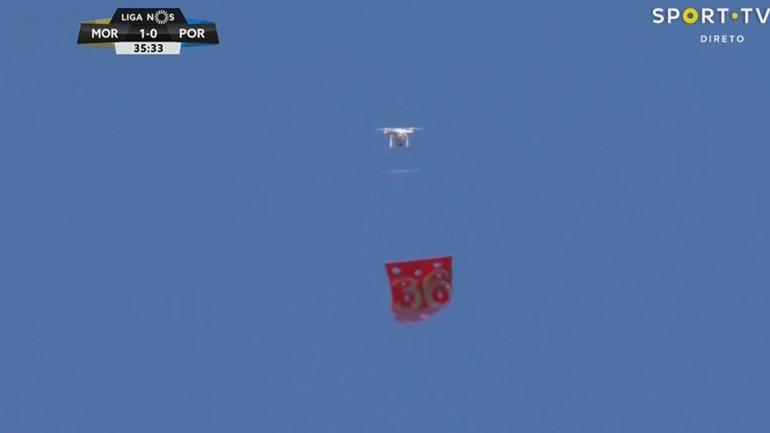 No Moreirense-FC Porto passou um drone... com a bandeira do 36