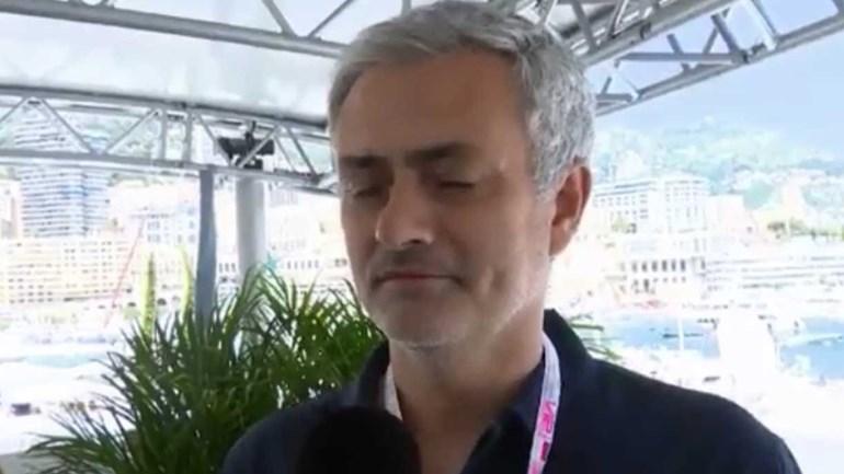 Sabia que Mourinho adora Fórmula 1? O treinador do United explica porquê