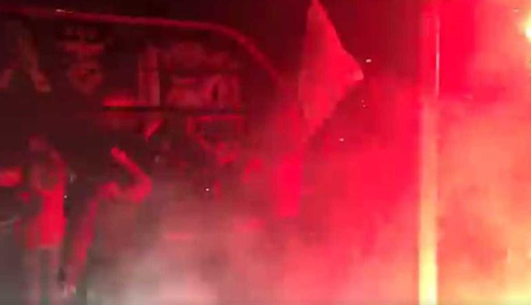 Mais euforia na chegada do Benfica ao Estádio da Luz