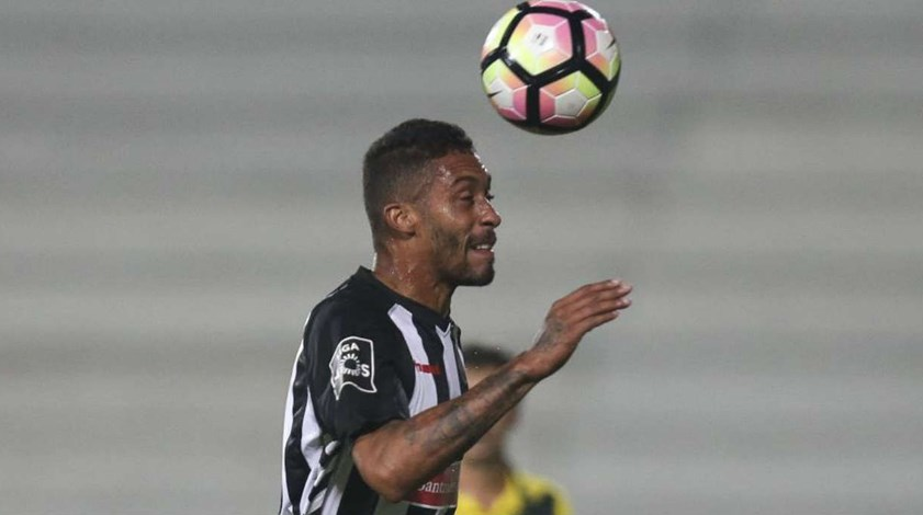 Rui Alves arrasa benfiquista César