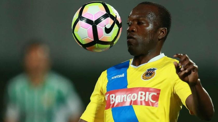 Mateus rescinde amigavelmente e procura novo clube em Portugal