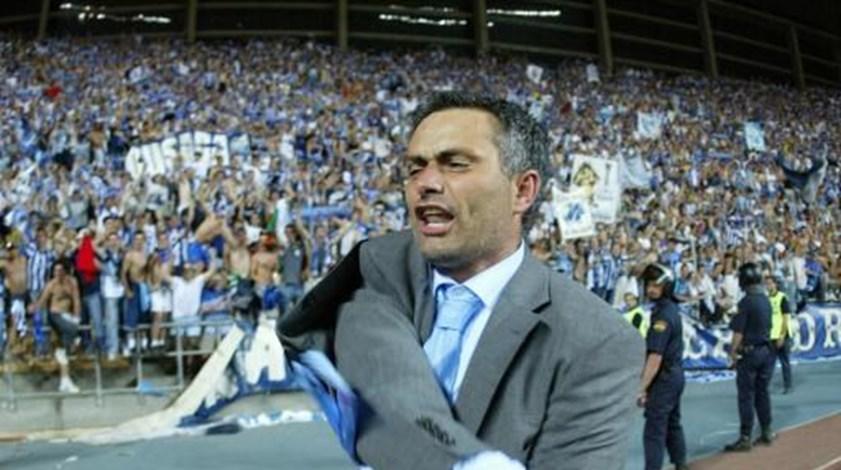 FC Porto dá os parabéns a Mourinho... e lembra onde tudo começou