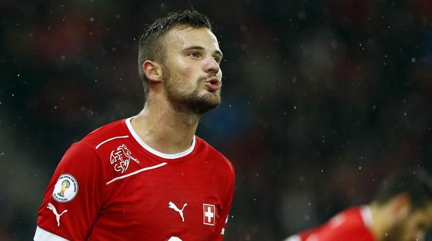 Seferovic em Lisboa para assinar até 2022