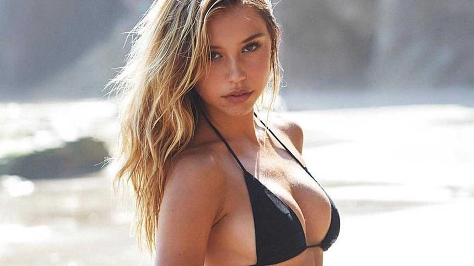 Alexis Ren: Surfista muito sexy