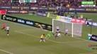 Brasil desperdiça dois golos num só ataque