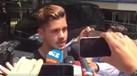 André Silva 'cercado' por jornalistas italianos