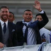 Cristiano Ronaldo informou Sergio Ramos de que não ficará em Madrid