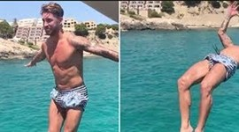 Sergio Ramos surpreende com este salto mortal no seu iate