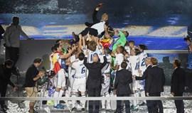 'Doblete de oro' deu dois milhões a Zidane... e 1,5 milhões a cada jogador