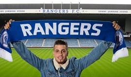 Fábio Cardoso assina pelo Rangers por três épocas