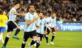 Mercado dá vitória à Argentina na estreia de Sampaoli